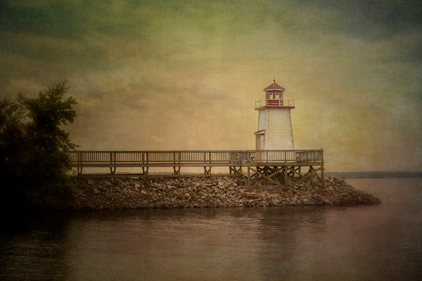 sue-henry_lighthouse-landing
