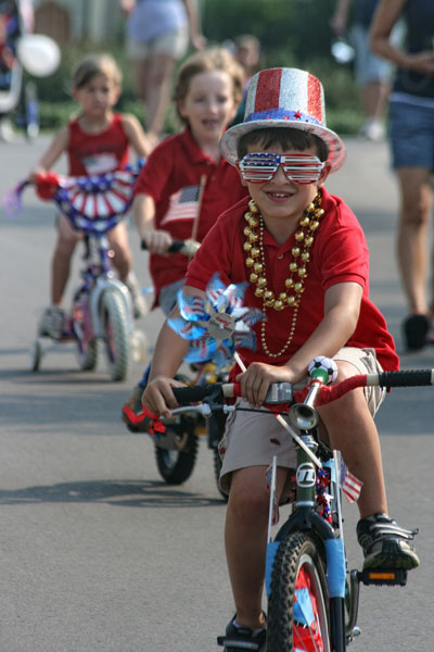 bike-riders-burkitt-parade